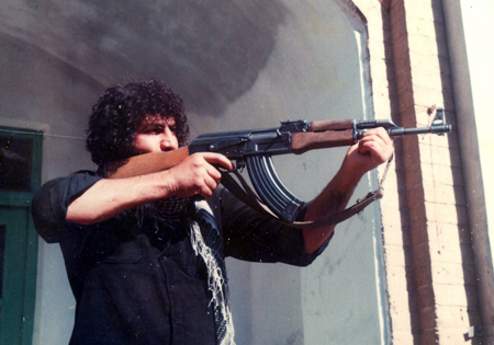 شهیدی که روی بازو نوشته بود: