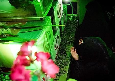 سوگواری حضرت زهرا(س) با حضور زائران راهیان نور در معراج شهدای اهواز