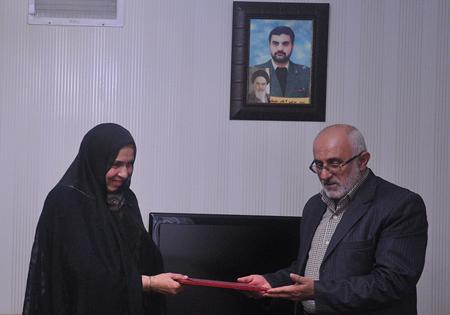 مدیرکل بنیاد حفظ آثار قزوین با خانواده شهدای ارتشی دیدار کرد