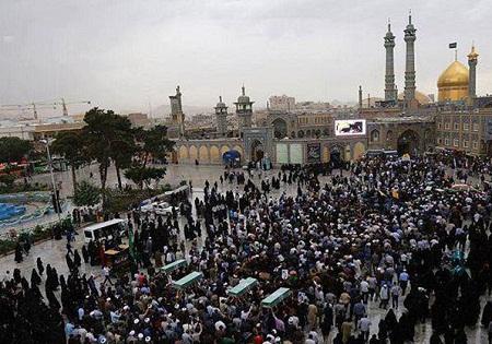 پیکرهای مطهر 8 شهید افغانستانی و پاکستانی در قم تشییع شد