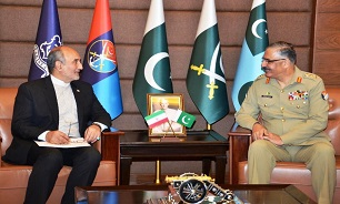 Iran envoy, Pak army commander discuss matters of mutual interest