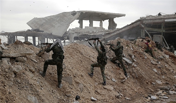 Syrian Army Pounds Terrorists' Positions in Northern Hama