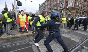 Yellow Vest Protesters Rally in Streets of France's for 54th Week