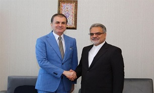 Iranian Envoy, Turkish Politicians Discuss Closer Ties