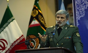 Defense Minister Vows More Aid to Flood-Hit People in SE Iran
