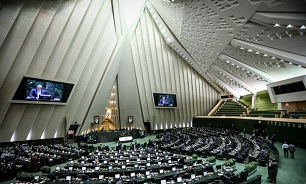 Parliament's closed session starts with Maj. Gen. Bagheri in attendance