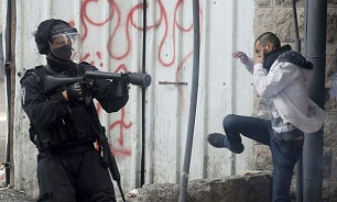 Zionists raid towns in West Bank, arrest 18 Palestinians