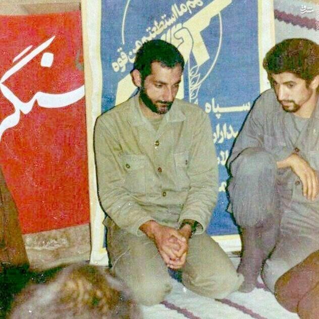عکس/ پدرِ شهید یک مدافع حرم در کنار شهید باکری