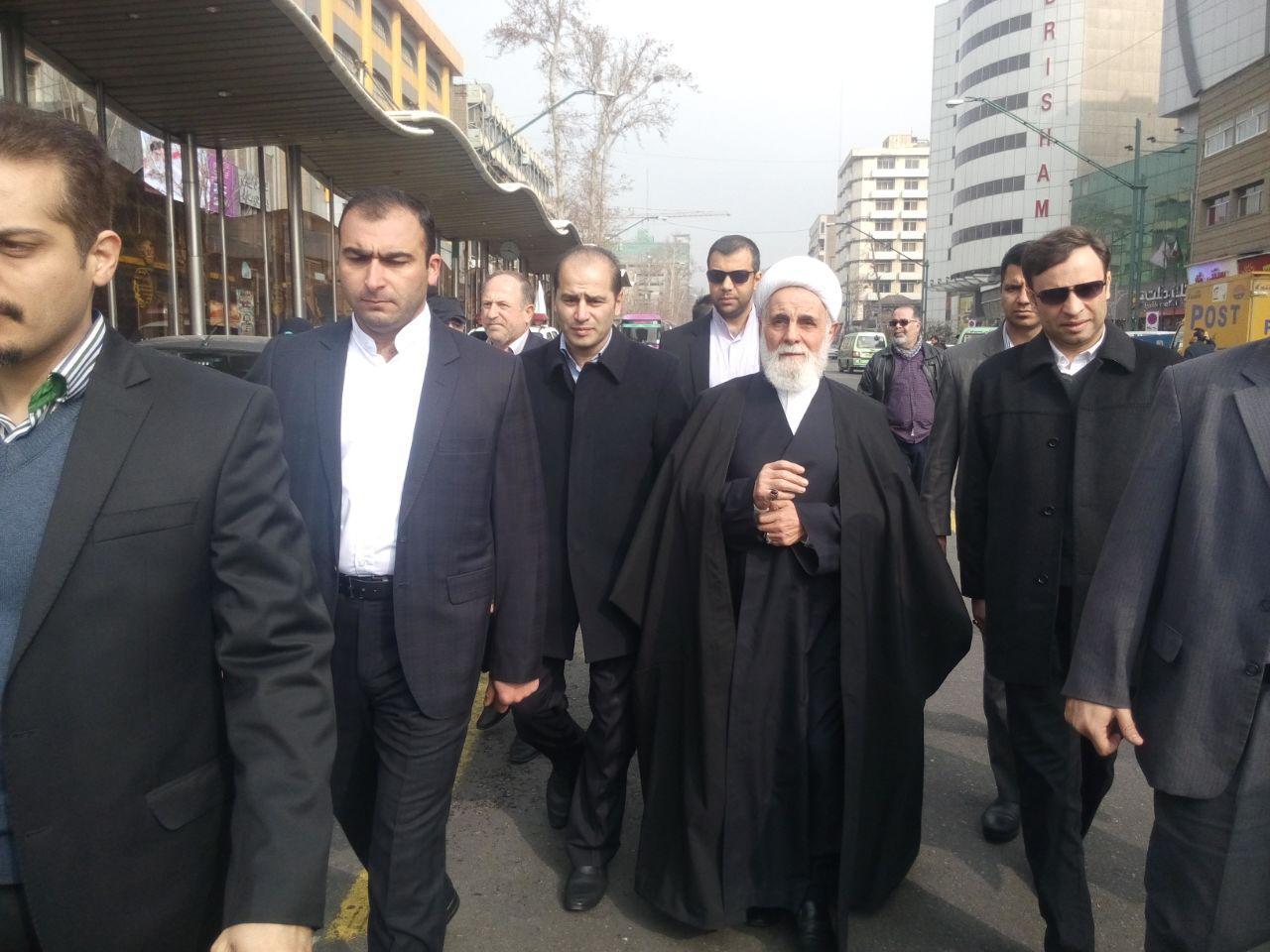 راهپیمایی یومالله 22 بهمن در تهران و سراسر کشور آغاز شد/ ایرانی از تهدید نمیترسد
