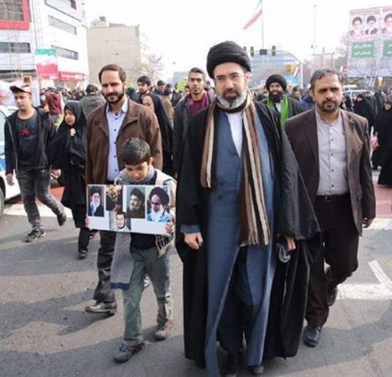 عکس/ فرزند رهبر انقلاب در راهپیمایی 22 بهمن