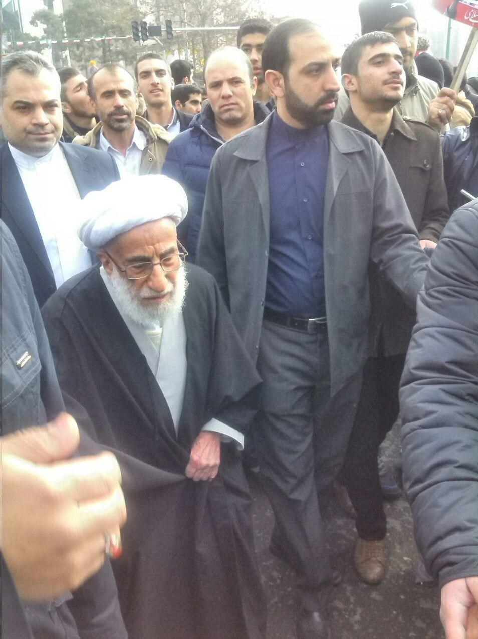 حضور پرشور مردم و مسئولان انقل در یومالله 22 بهمن/ ایرانی از تهدید نمیترسد