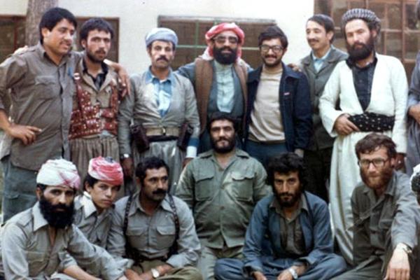 تصویر/ فرمانده نیروهای خراسانی در جنوب در کنار مسیح کردستان
