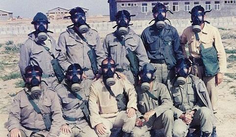 عکس یادگاری با ماسک شیمیایی