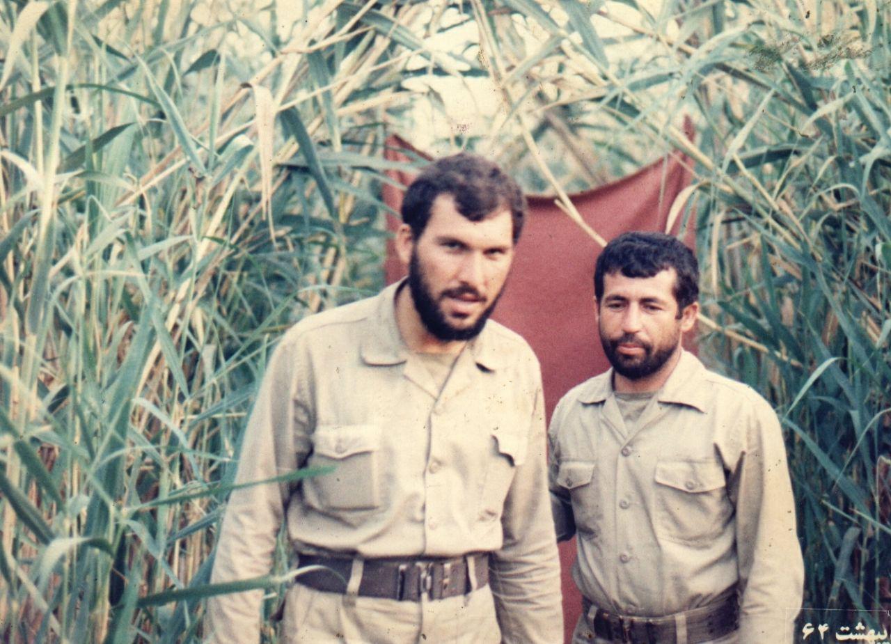 عکس/ دو شهید در یک قاب