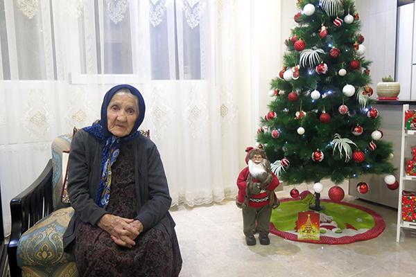 مردم شیعه در شادی و غمشان ما را دعوت میکنند/ جهاد مادر شهید از دوران جنگ تا به امروز ادامه دارد