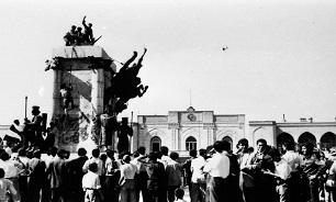 روایت شهیدی که مجسمه شاه را پایین کشید
