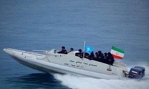 کشتی های آمریکایی از مسیر تعیین شده ایران در خلیج فارس عبور می کنند