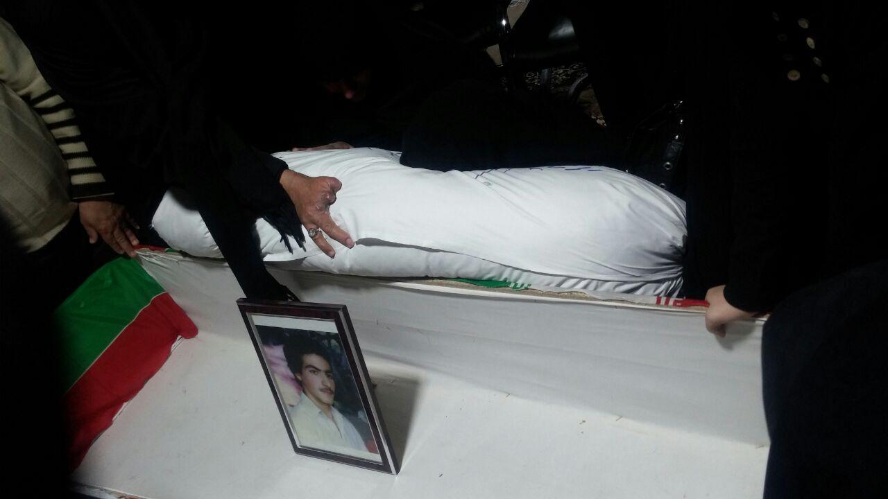 وداع مادر شهید بابا پس از 29 سال+ تصویر