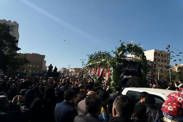 وداع جانسوز تهرانیها با لالههای گمنام+ تصاویر