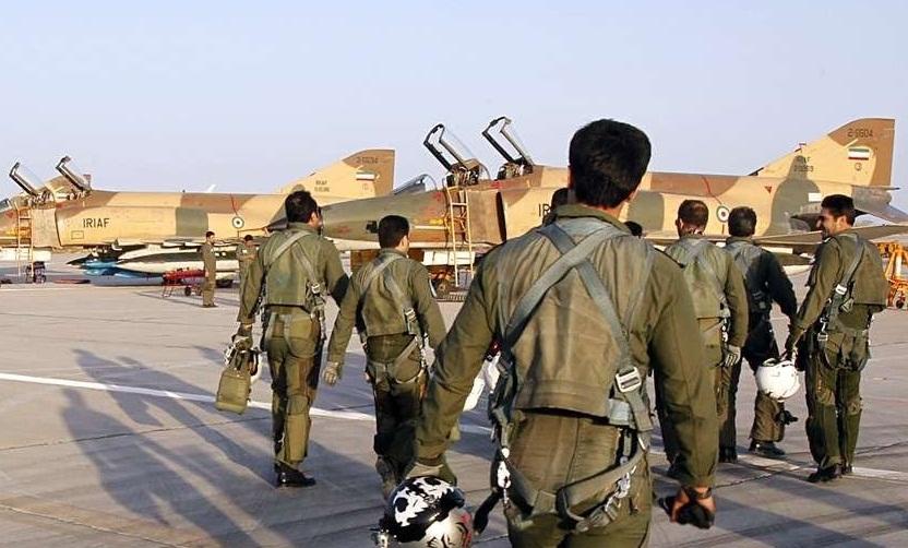 برگزاری مراسم فارغ التحصیلی خلبانان شکاری در پایگاه وحدتی دزفول