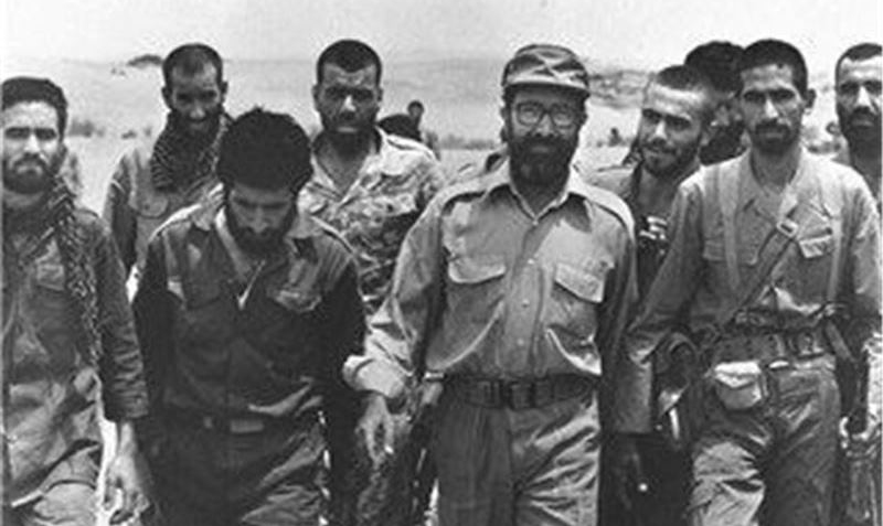 خاطرات یک عکاس از شهید چمران/ چمران همیشه جلوی نیروهایش حرکت میکرد