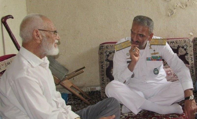 فرمانده منطقه یکم نداجا با خانواده شهید زاهری دیدار کرد