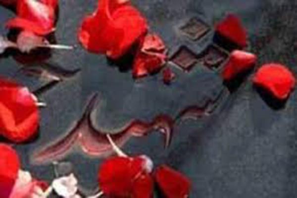 شقایقهایی از خطه کویر که در مردادماه خونین شدند