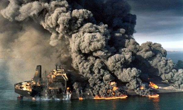 تهاجم عراق به مهمترین پایانه نفتی ایران