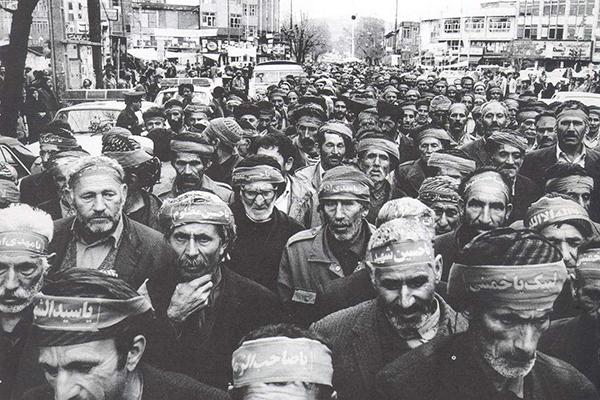 حضور بسیجیان دوران دفاع مقدس در قالب عکس