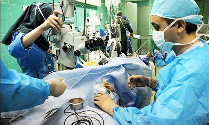 اولین عمل جراحی مغز در بیمارستان صحرایی سرپل ذهاب انجام شد