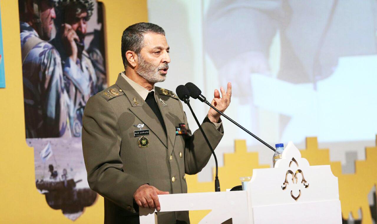 مقابله با تهدیدات آمریکا و رژیم صهیونیستی توسط ارتش/ رزمایشها در صحنهی واقعی عملیات برگزار شوند