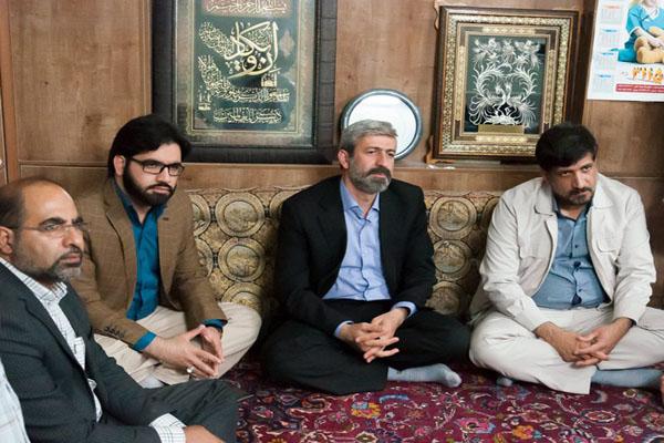 دیدار با خانواده شهید هنرمند دکتر سید رضا پاکنژاد
