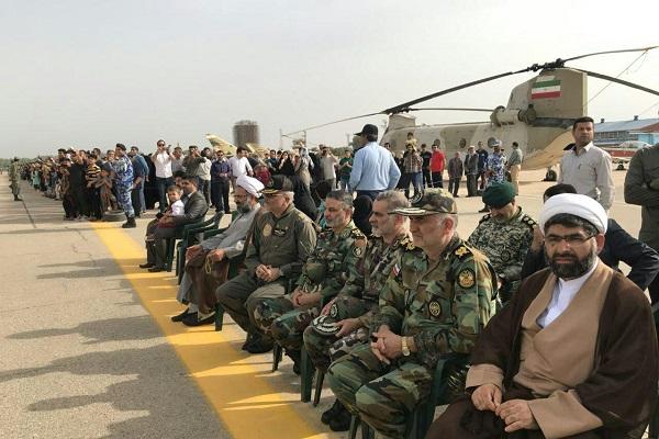 اجرای نمایش هوایی توسط خلبانان نهاجا در آسمان خوزستان