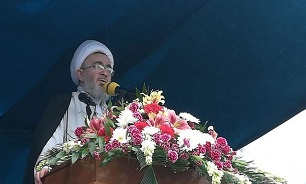 امام جمعه کاشان: آمریکا جرئت حمله به ایران را ندارد