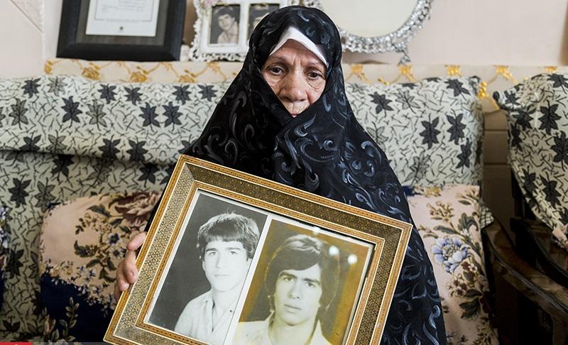 مادر شهیدان اهل سنت: در تمام مراحل زندگیام از حضرت زهرا(س) مدد گرفتهام/خاطرات مادر از شیفتگی پسران به حضرت روحالله