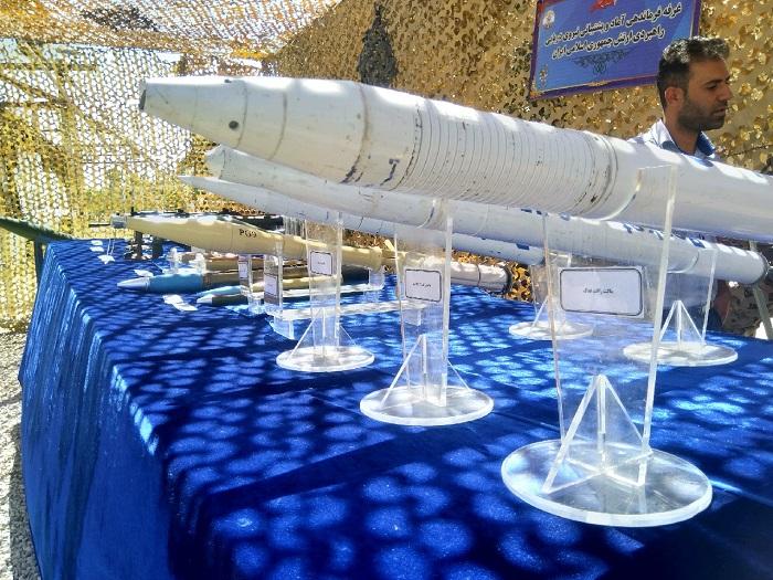 نمایش دستاوردهای چهل ساله نیروی دریایی ارتش در پایگاه شهدای تکاور خرمشهر