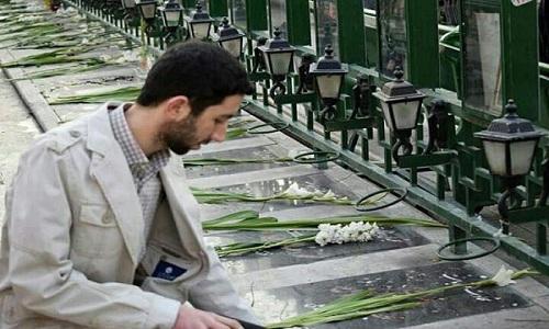 بسیجی خامنهای بودن از سرباز خمینی بودن سختتر است