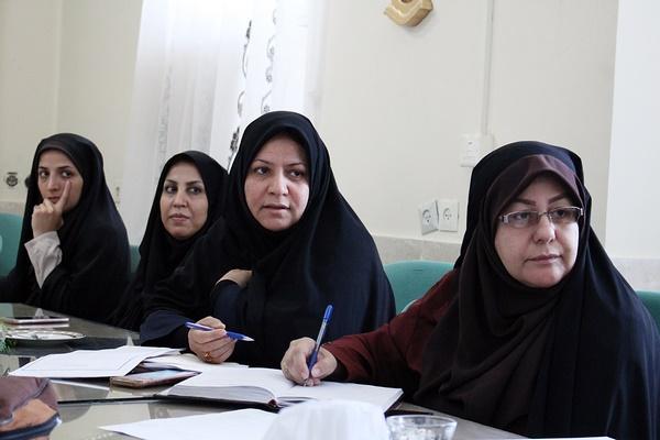 ارزشهای انقلاب اسلامی را باید با شیوههای نو به نسل جوان منتقل شود
