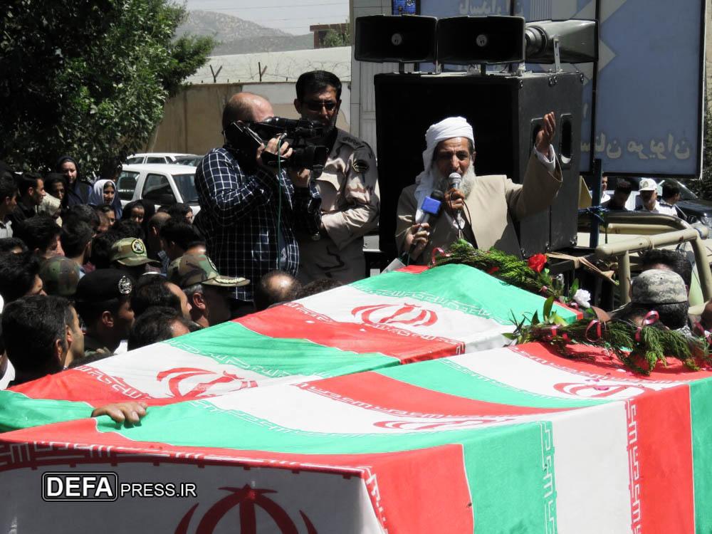 تصاویر/ تشییع پیکرهای 11 شهید عملیات تروریستی در مریوان