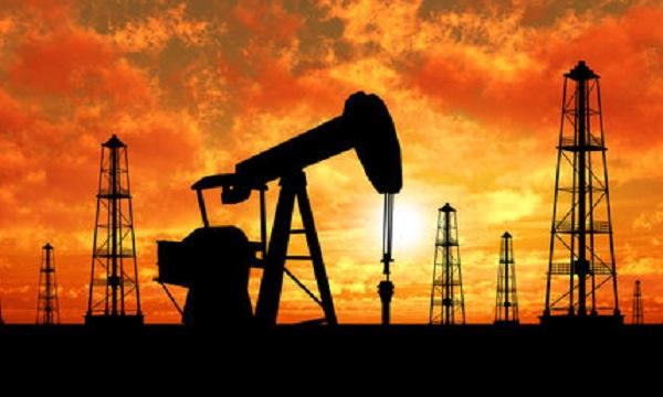 راهکارهای غیر متعارف یا بورس نفت؛ کدامیک راه حل مقابله با تحریم نفتی است؟