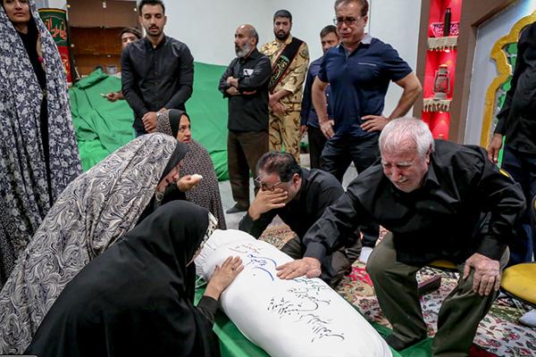 گمنامی شهید از پیکر تا تابلوی تصویری کوچه/ شهیدی که از بهشت به پدرش کمک کرد