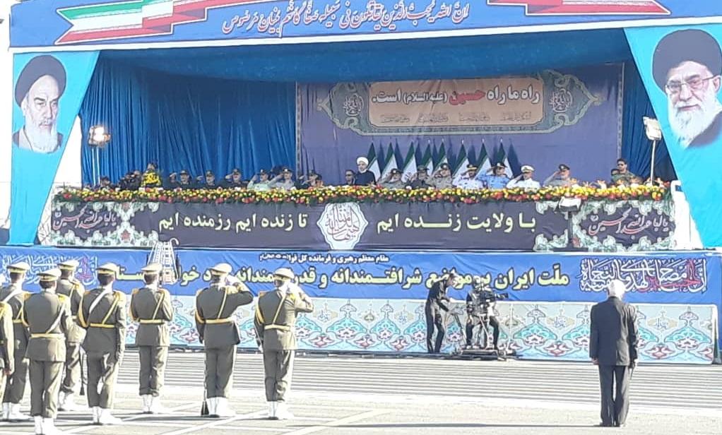 مراسم رژه نیروهای مسلح در جوار حرم امام خمینی (ره) آغاز شد
