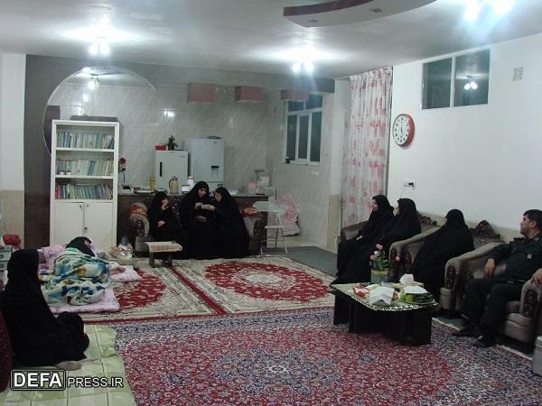 دیدار رئیس سازمان نشر آثار و ارزشهای زنان در دفاع مقدس با 2 بانوی ایثارگر در شهرکرد