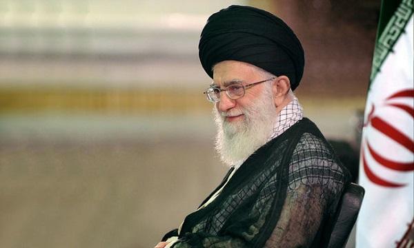رهبر معظم انقلاب اسلامی در جلسه 2 ساعت و نیمه با سران قوا با موضوع مسائل اقتصادی: برای حل مشکل نظام بانکی، نقدینگی، اشتغال و تورم تصمیمهای جدی بگیرید