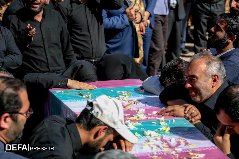 تشییع و تدفین پیکر یک شهید گمنام