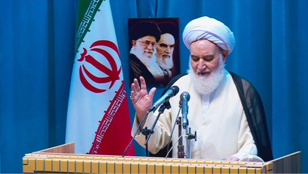 امام جمعه کرمانشاه: مردم ایران سالهاست هیبت آمریکا را درهمشکستهاند
