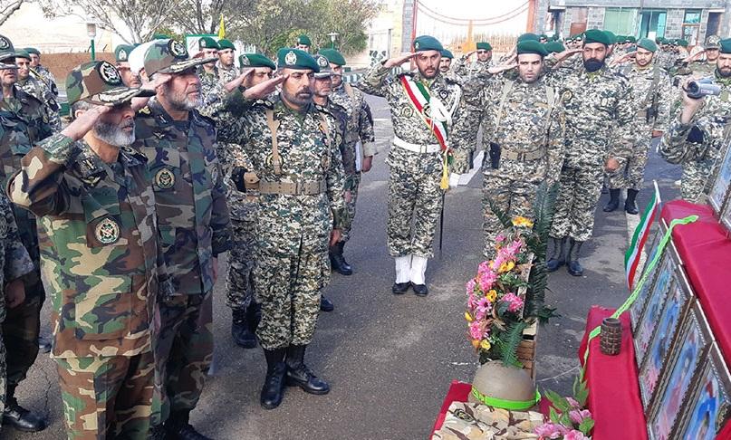 بازدید فرمانده کل ارتش از تیپ ۳۵ واکنش سریع نزاجا