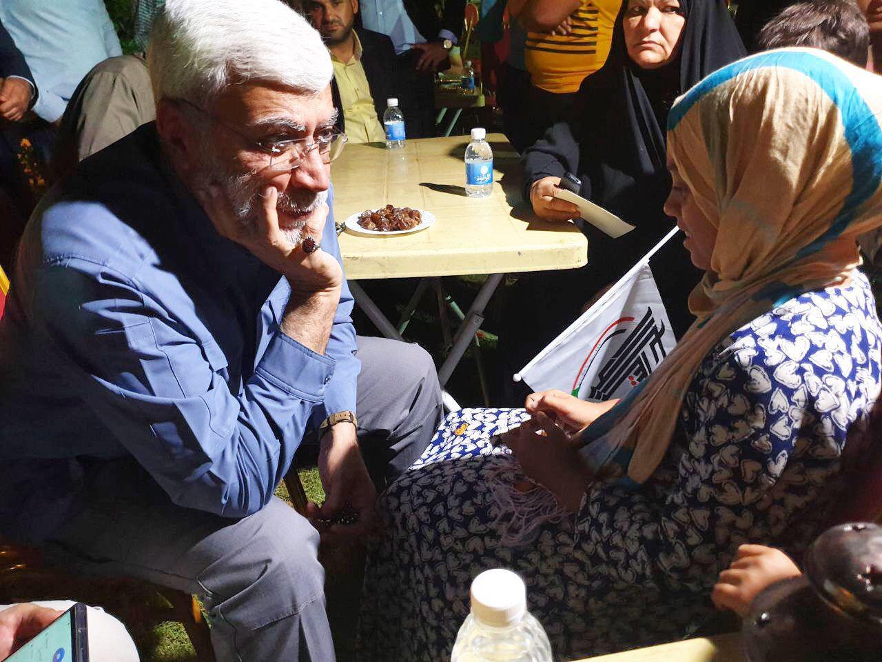 دست پر مهر پدرانه شهید ابومهدی المهندس بر سر فرزندان شهدای عراقی