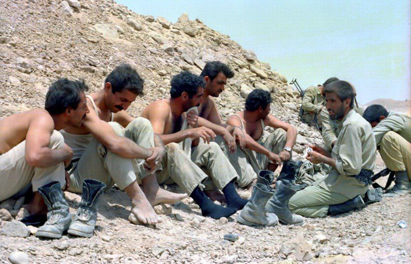 رفتار دور از انتظار فرمانده شهید ایرانی با اسرای عراقی+ تصاویر