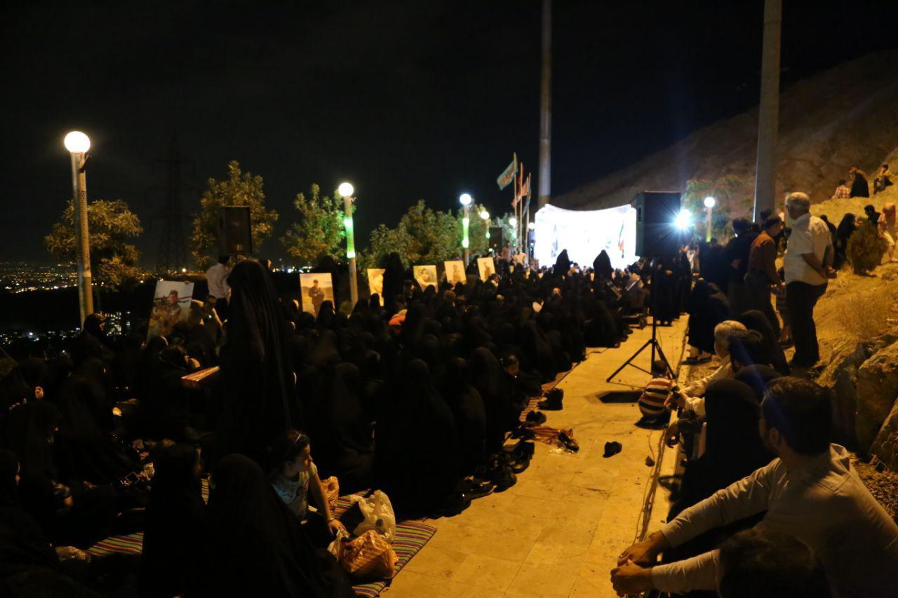 جمع مادران شهدای مدافع حرم در کهف الشهدا+ تصاویر